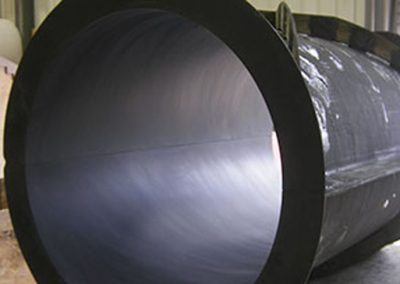Moule-en-carbone-infuse-et-cuit-en-autoclave