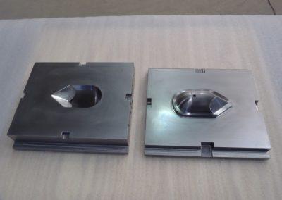 UQTR-105546-moule-acier-1024x768